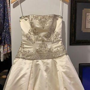 Authentic Reem Acra wedding dress